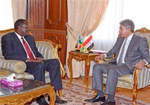 وزير الطيران يبحث زيادة الرحلات مع سفير جنوب السودان