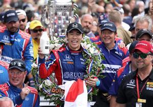 """تاكوما ساتو يسجل اسم اليابان للمرة الأولى في سجل """"إنديانابوليس 500"""""""