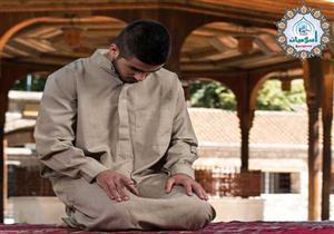 البحوث الإسلامية يوضح الصيغة الصحيحة للتشهدين الأول والأخير