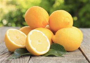 التعرف على أعراض سرطان الثدي باستخدام الليمون