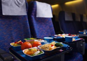 7 أسرار للطعام على متن الطائرات.. منها تناول الشوكولاته قبل ذوبانها
