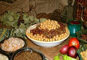 خبير تغذية ينصح بتناول العدس والكشري والفول لمواجهة السمنة
