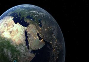 كيف يمكن للأرض أن تتناقص كما قال تعالى: {ننقصها من أطرافها}؟