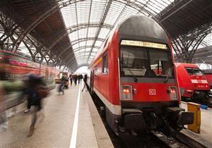 أم مهملة تركت ابنها في القطار لكي تدخن.. وهذا ما حدث له