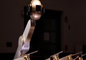 """الروبوت """"شيمون"""" يؤلف مقطوعات موسيقية"""