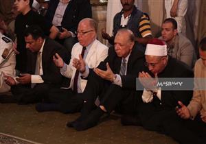 """بالصور.. وزير الأوقاف يُلقي خطبة آخر جمعة في رمضان بالحسين بحضور """"النمنم"""""""
