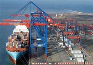 موانئ بورسعيد تستقبل 18 سفينة حاويات