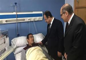 وزير الداخلية يزور رجال الشرطة مصابي العمليات الأمنية بمستشفى الشرطة بالعجوزة