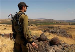 صورة وخبر: الجولان المحتلة.. جندي إسرائيلي يراقب حدود سوريا