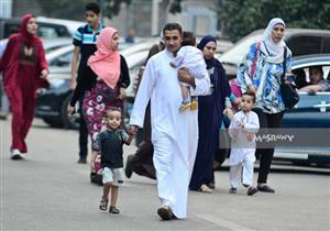 """صلاة العيد في """"مصطفى محمود"""": توافد مكثف.. واحتفالات صاخبة (فيديو وصور)"""
