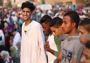"""صلاة العيد """"بالألوان"""" في مسجد عمرو بن العاص (صور)"""