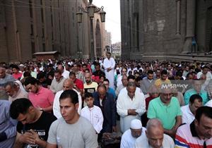 صلاة عيد بطعم التاريخ.. الآلاف يؤدون الصلاة بمسجد السلطان حسن