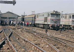 """إصابة شخصين اثنين في خروج قطار """"الإسكندرية - بورسعيد"""" عن القضبان"""