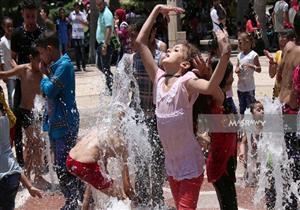 """بالصور.. نافورة  """"حديقة الأزهر"""" ملهى الأطفال والشباب في ثالث أيام العيد"""