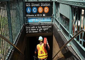 34 مصابًا في خروج عربتي مترو أنفاق عن القضبان بنيويورك