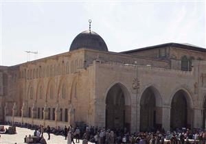 الشرطة الإسرائيلية تغلق المسجد الأقصى ومستوطنون يقتحمونه