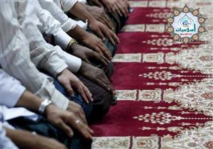 كم عدد الركعات التي أتمها إذا أدركت الإمام في تشهد صلاة الجمعة؟