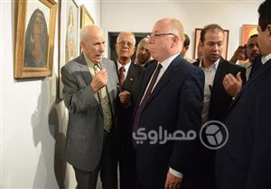"""بالصور.. وزير الثقافة يفتتح معرض """"فنانو شمال سيناء في مواجهة الإرهاب"""""""