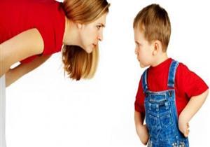 كيف تعاقب طفلك دون أن تؤذيه نفسياً؟