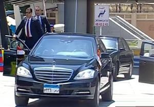 لحظة وصول الرئيس السيسي لمقر انعقاد المؤتمر الدوري الرابع للشباب بالإسكندرية - فيديو