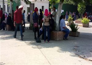 """انتشار """"سماسرة"""" المعاهد الخاصة أمام هندسة القاهرة في ثاني مراحل التنسيق- صور"""