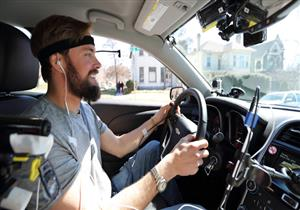 لهذا السبب.. خبراء يحذرون من الاستماع إلى الموسيقى أثناء القيادة