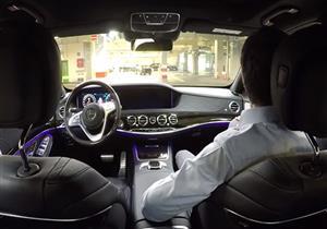 مرسيدس تستعرض أنظمة قيادتها الذاتية بإخراج سياراتها من المصنع بدون سائقين