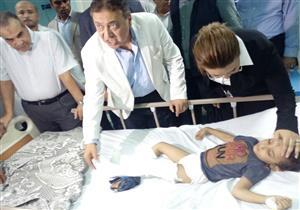 وزير الصحة يزور المصابين بحادث الإسكندرية ويأمر بعلاجهم على نفقة الدولة