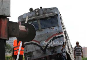 """لليوم الثاني.. لا يزال مشهد """"حادث القطار"""" مستمرًا - (صور)"""