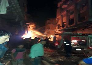 بالصور- اندلاع حريق في محل تجاري بالمحلة.. وأنباء عن سقوط مصابين