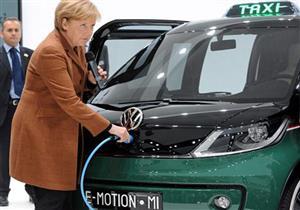 في ألمانيا.. ميركل تعلن موقفها من تحديد حصص ملزمة للسيارات الكهربائية