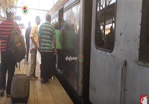 """""""تمرد"""" في السكة الحديد.. سائقون يرفضون القيادة والتأخيرات تلاحق الركاب- فيديو"""