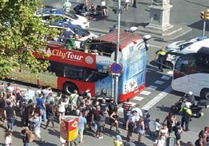 شاحنة تدهس تجمع للأشخاص بساحة لارمباد وسط برشلونة- فيديو