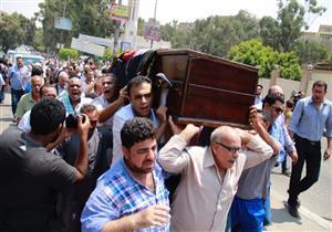 بالفيديو - تشييع جثمان رفعت السعيد من مسجد الحمد بالمقطم