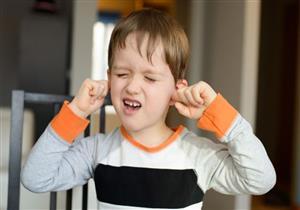 هذه العلامات تشير إلى حدوث مشاكل لسمع لطفلك