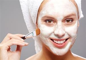 كيف تحصلين على قناع طبيعي لتقشير الوجه؟ - فيديو