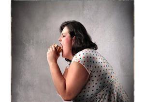 الأطعمة الدسمة تزيد مخاطر إصابة المرأة بمرض خطير