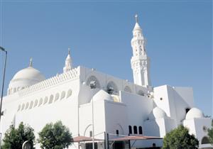 """بالصور: """"مسجد القبلتين"""" من أهم معالم الحج"""