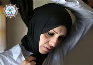 هل للأب إجبار بنته على الحجاب ومنع النفقة عنها إن لم تفعل؟