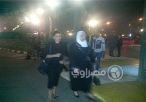 بالصور - يسرا وماجدة زكي وميرفت أمين في عزاء محفوظ عبد الرحمن