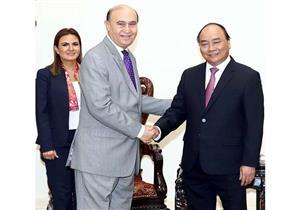 مميش يعرض فرص الاستثمار بمنطقة قناة السويس على رئيس وزراء فيتنام