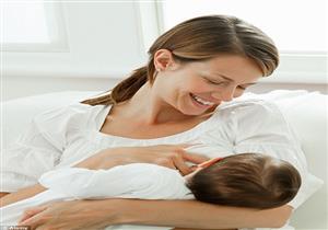 بعد ظهور أسنان الطفل.. يمكن للأمهات مواصلة الرضاعة دون قلق