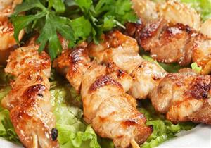 """طريقة عمل """"دجاج سيخ بالأعشاب"""" – غادة التلي"""