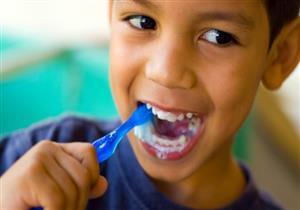 ما هو الوقت الانسب ليتعلم الطفل غسل أسنانه؟