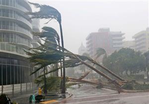 سقوط رافعة عملاقة من مبنى شاهق بمدينة ميامي بفلوريدا