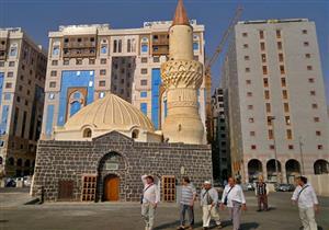 بالصور: مسجد أبوبكر الصديق.. طراز معماري يستوقف ملايين الزوار