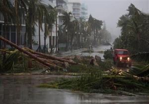 """الاعصار """"ماكس """" يضرب مناطق سياحية في ساحل المكسيك"""