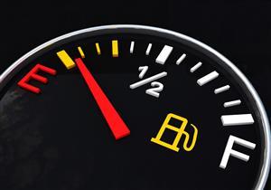 بعد إضاءة لمبة الوقود.. أقصى مسافة تقطعها السيارة