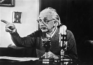 بالصور.. حكايات أشهر 6 لقطات للعبقري آينشتاين