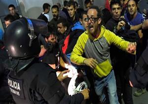 الشرطة الإسبانية تعتقل مسؤولين وتداهم مكاتب الحكومة في كاتالونيا